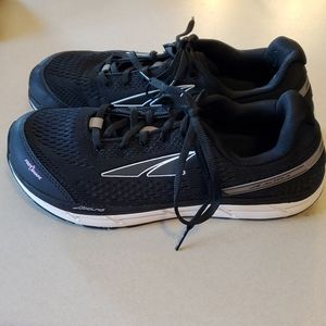 Altra Intuition 4 Woman's size 8.5